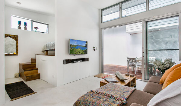 Studio 9 - Byron Bay - Living towards Bedroom